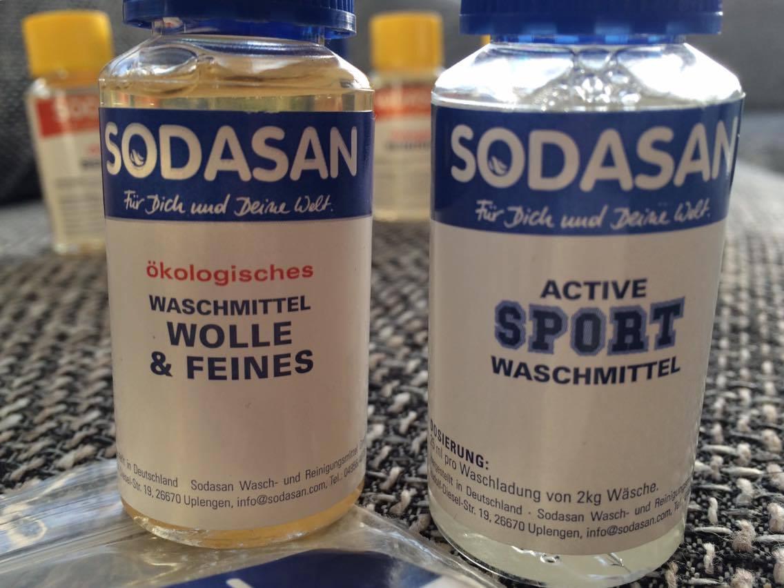 Sodasan Waschpulver und Flaschen